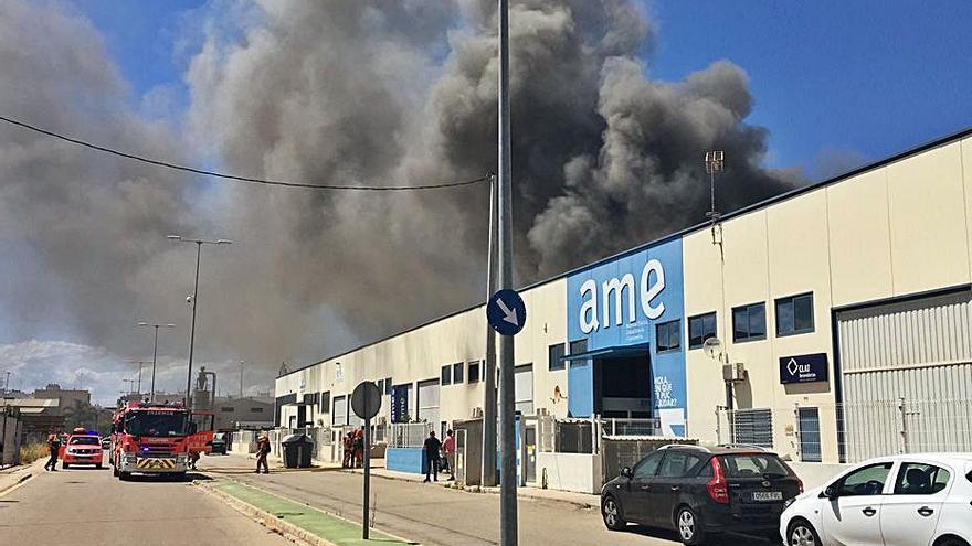 Incendio en una industria de Sueca