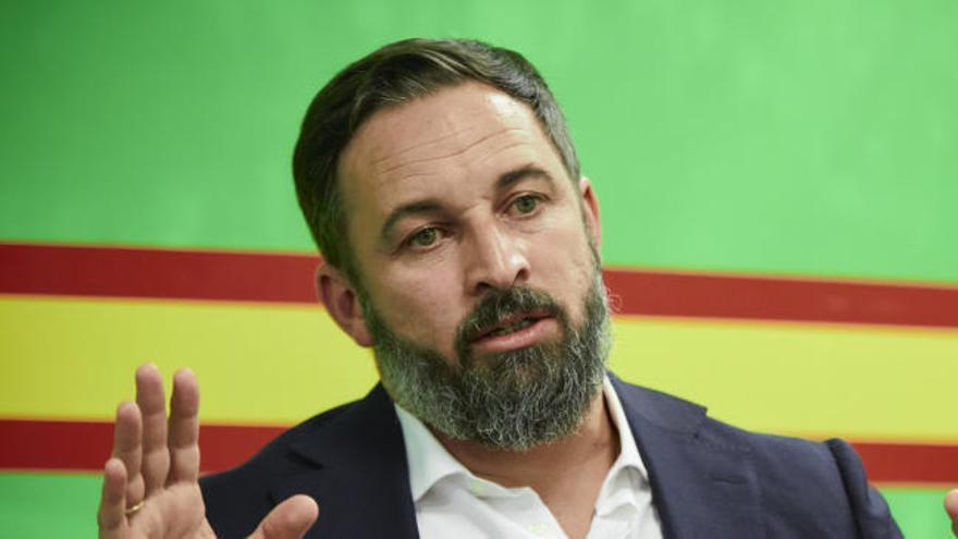 Vox registra la moción de censura contra Sánchez y presenta a Abascal como candidato