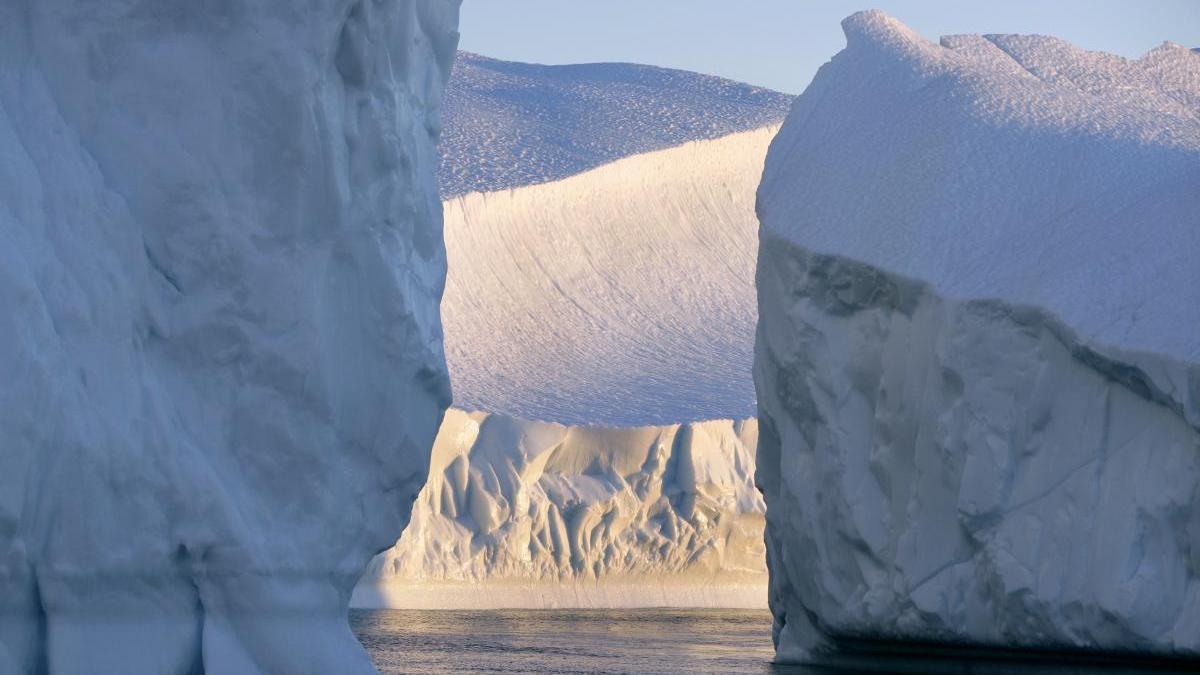 Icebergs cercanos al glaciar de Jakobshavn en Groenlandia