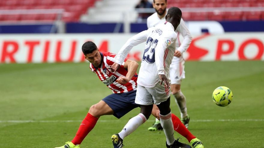 El Atlético deja con vida a un Real Madrid que mantiene la esperanza