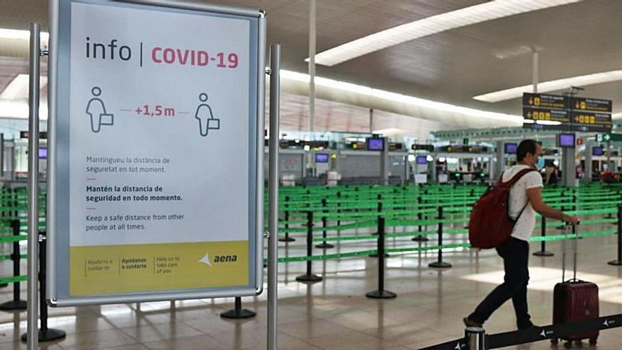 El 16,1% dels estrangers que han entrat a l'Estat espanyol al juliol ho han fet per Catalunya