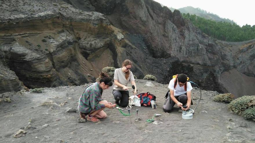 Avances para detectar eventos volcánicos en Tenerife y La Palma