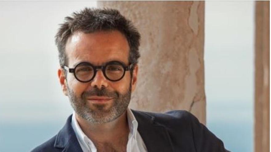 El profesor del Conservatorio despedido se entrega a la Policía y reconoce un fraude de decenas de miles de euros públicos