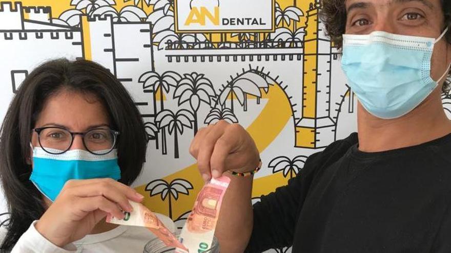 AN Dental dona todo lo recaudado en limpiezas bucales al cáncer de mama