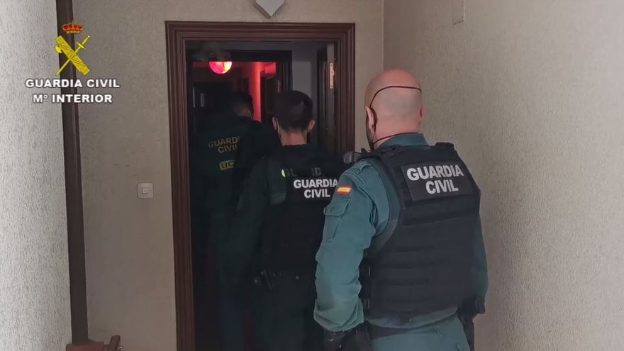 Dos detenidos en Dénia por una red de trata que explotó sexualmente a treinta mujeres en toda España