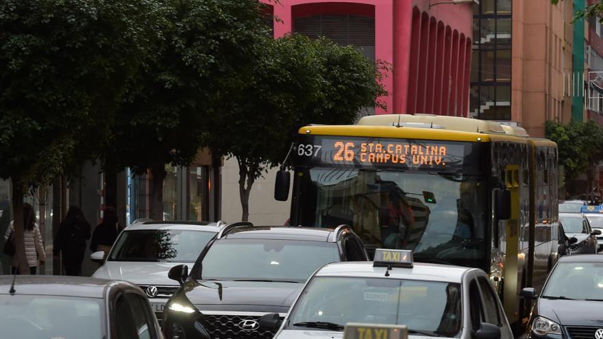 Desvíos de tráfico por obras en las calles calles Néstor de la Torre y Menéndez Pelayo