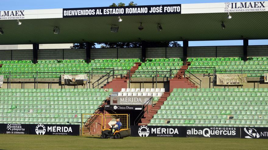 El cambio de césped del Romano José Fouto no se hará esta temporada