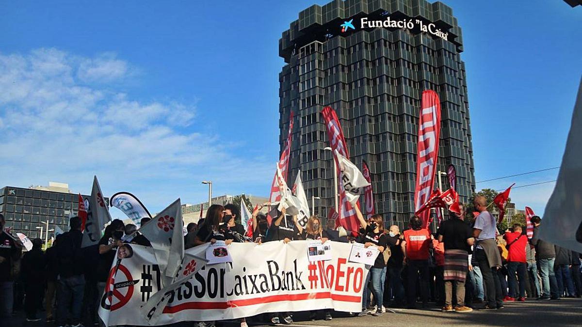 Protesta dels treballadors de CaixaBank a Barcelona