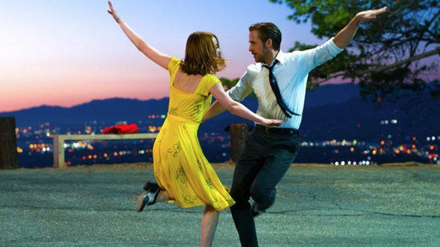 La sensació dels Globus d'Or 'La La Land' arriba als cinemes