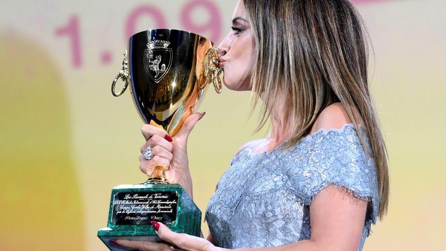 Penélope Cruz, mejor actriz en el Festival de Venecia por 'Madres paralelas'