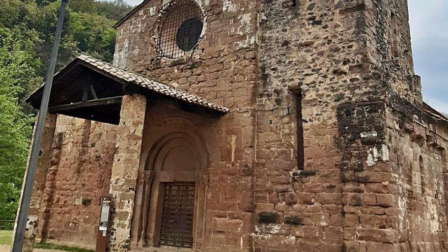 Reparats els danys causats per uns brètols al monestir de Sant Joan les Fonts
