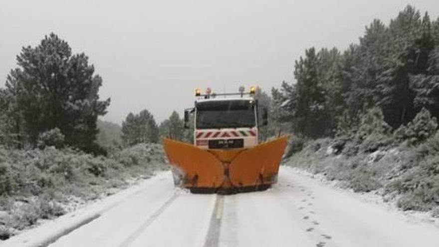 Todo preparado para la llegada de la nieve a Zamora: 9 quitanieves hacia La Guareña