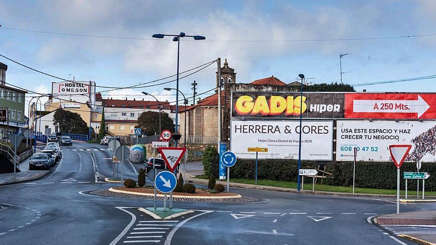 Culleredo regulará la publicidad exterior y cobrará 650 euros anuales por cada valla