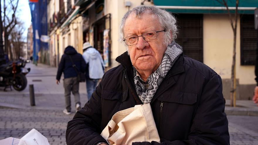 """Ian Gibson: """"Es hora de preguntar a los españoles: ¿monarquía o república?"""""""