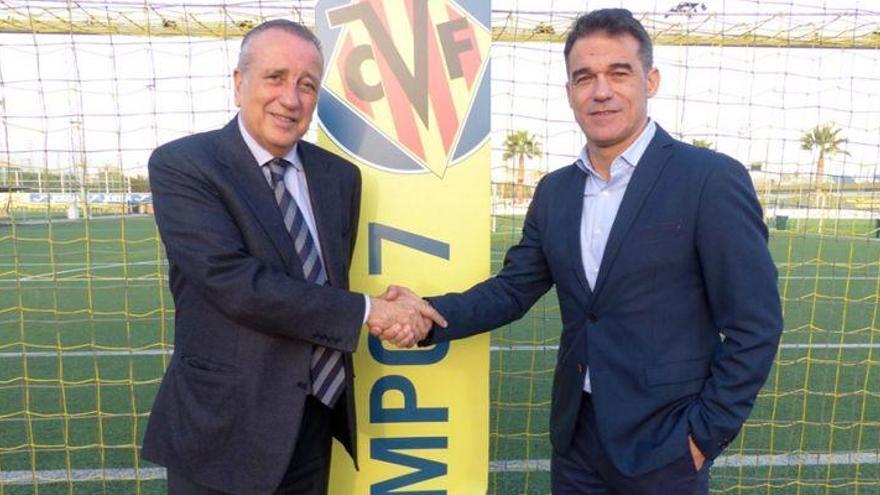 El Villarreal hace oficial el fichaje de Luis García Plaza hasta final de temporada