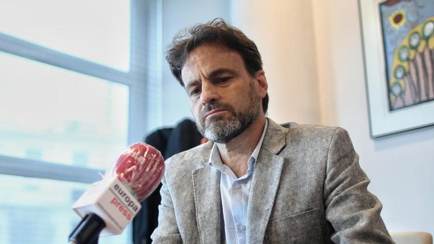 """Asens (Podemos) cree que sería """"fantástico"""" que el Rey no volviera más a Cataluña"""
