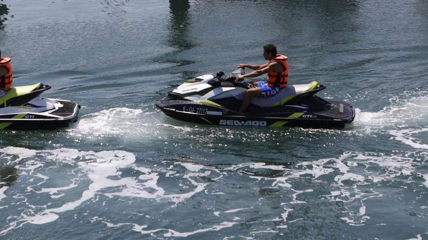 Fallece una niña de 8 años al chocar la moto de agua en la que navegaba