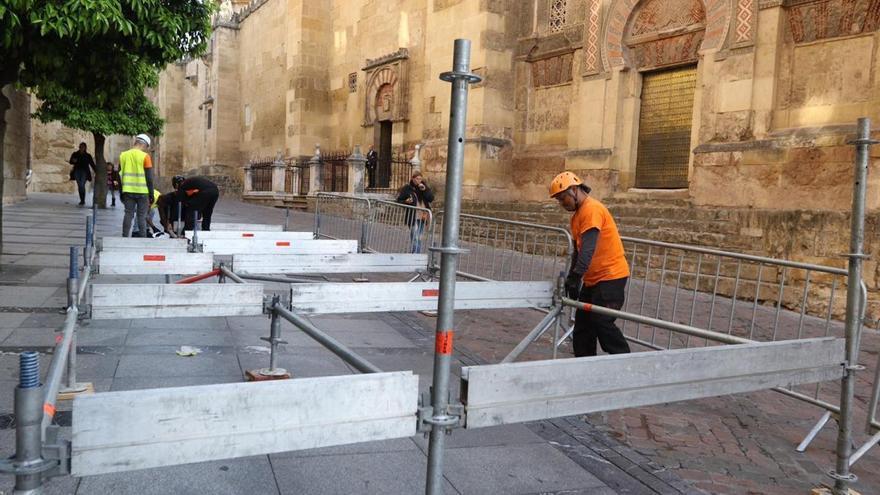 Comienza el montaje de los palcos de la carrera oficial de Semana Santa en Córdoba