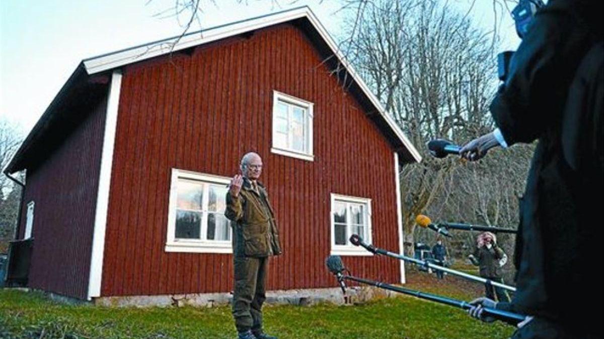 """El rey de Suecia admite que el país ha """"fallado"""" ante el covid-19"""