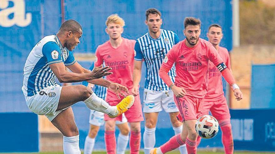 El Atlético Baleares busca el asalto a los play-off frente al Dux Inter