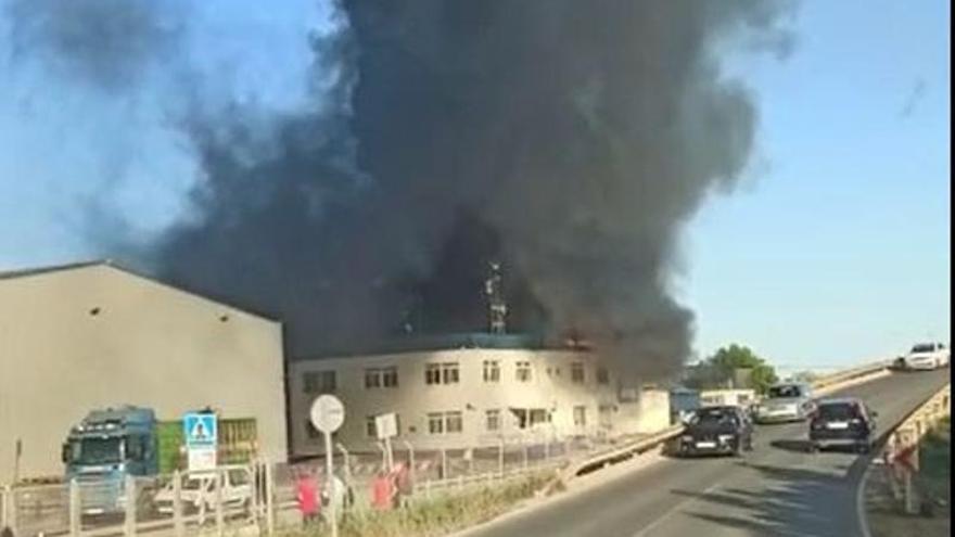 Incendio en la fábrica de G's España en Torre Pacheco