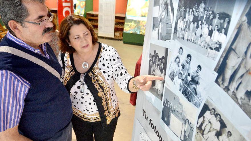 Santa Lucía digitaliza su historia con las fotos antiguas de los vecinos