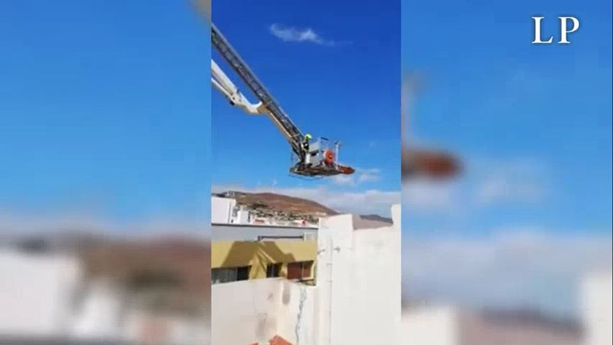 Espectacular rescate de un herido en el Cruce de Arinaga