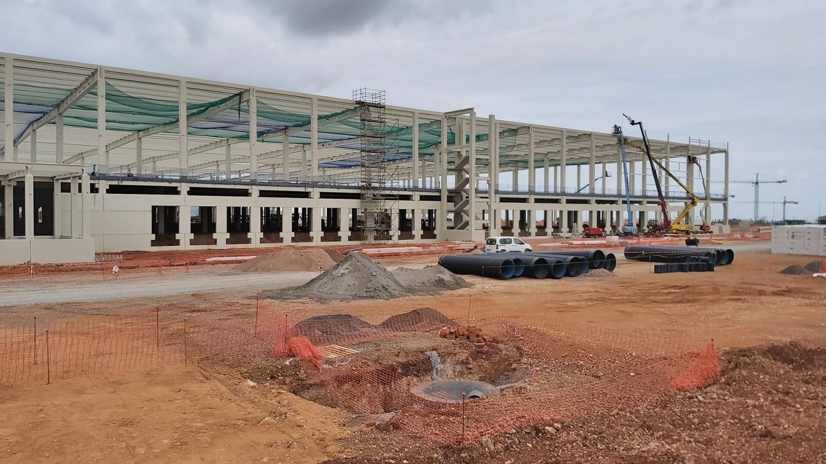 Avance de las obras del nuevo macrocentro logístico de Amazon en Onda.