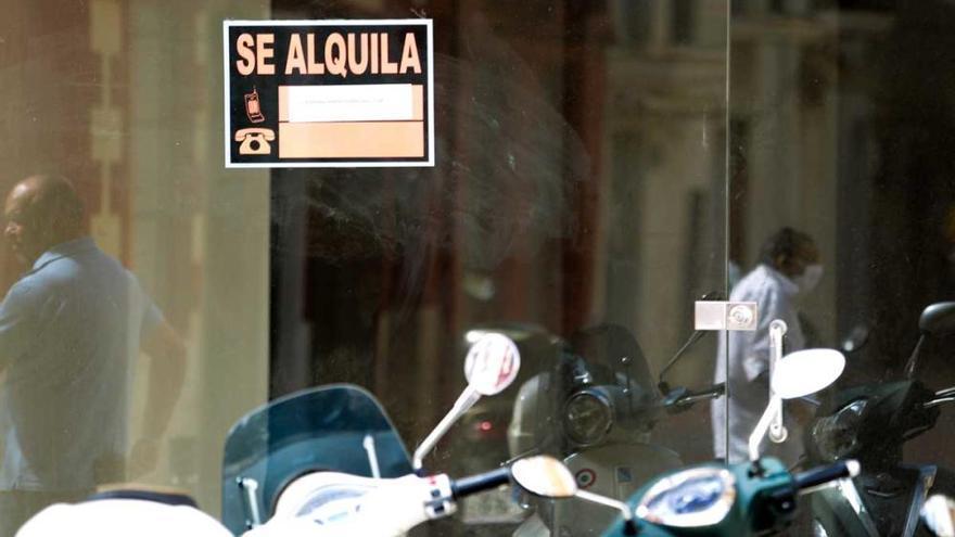 La ciudad de Ibiza tiene 1.377 locales comerciales vacíos o cerrados