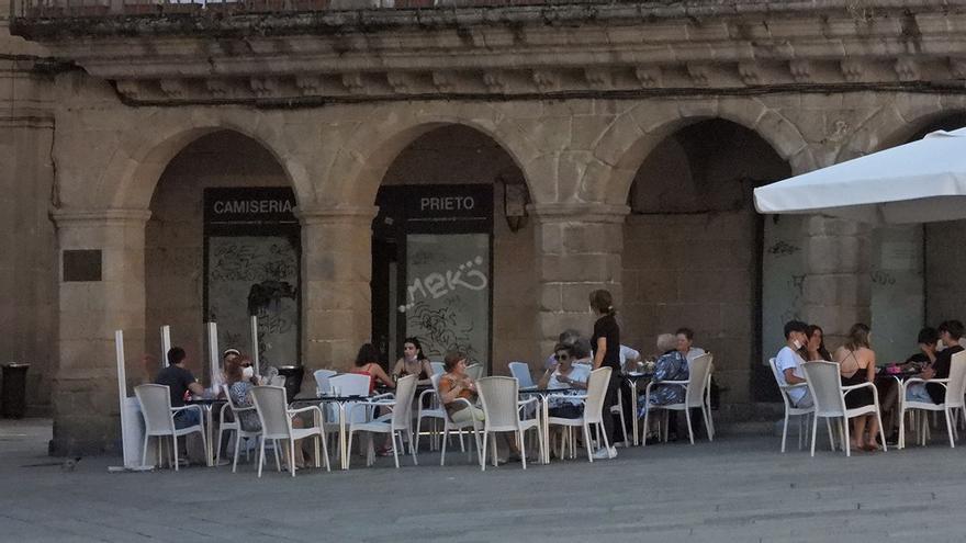 La Xunta exigirá certificados COVID en la hostelería de los concellos en riesgo máximo