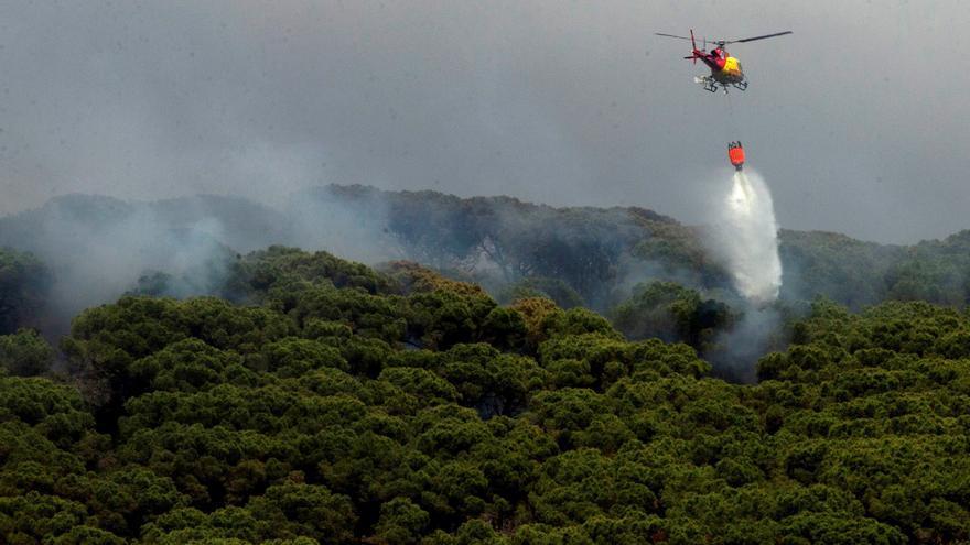 Extingit l'incendi d'Argentona després de cremar fins a 15 hectàrees en dos dies