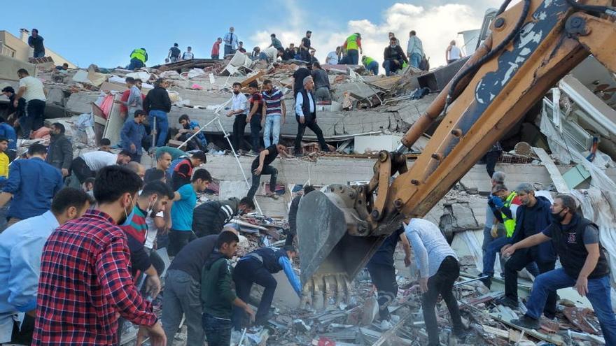 Un terratrèmol de magnitud 6,7 sacseja Grècia i Turquia