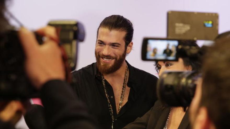 La foto de Can Yaman que todas sus fans esperaban: más de medio millón de reacciones para el protagonista de Erkenci Kus