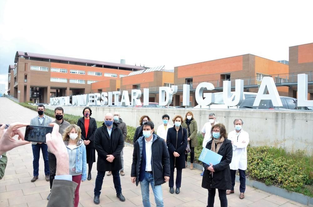 Fotos de l'acte a l'Hospital Universitari d'Igualada en l'aniversari del confinament de la Conca d'Òdena, el dia 12 de març del 2020