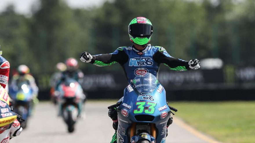 Bastianini gana en Brno y es el nuevo líder de Moto2