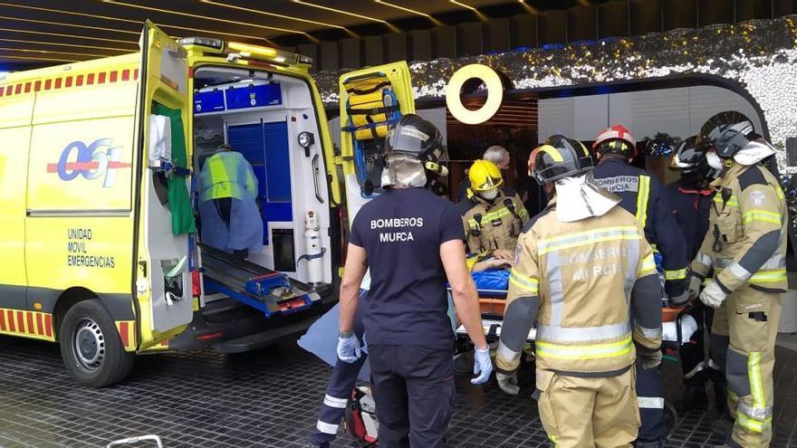 Herido un trabajador al caer desde una escalera en el Odiseo de Murcia