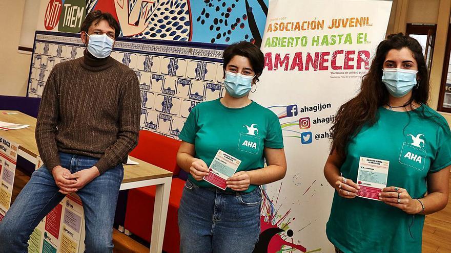 """""""Abierto hasta el amanecer"""" recupera la actividad presencial con 50 talleres"""