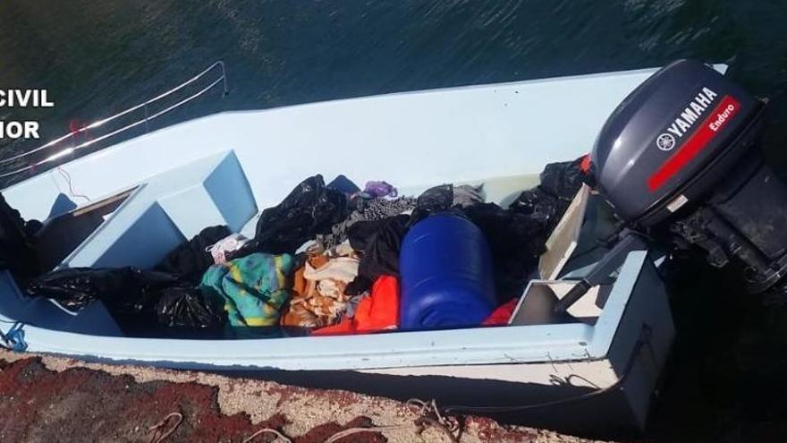 Rescatan a dos menores migrantes en Alfàs del Pi