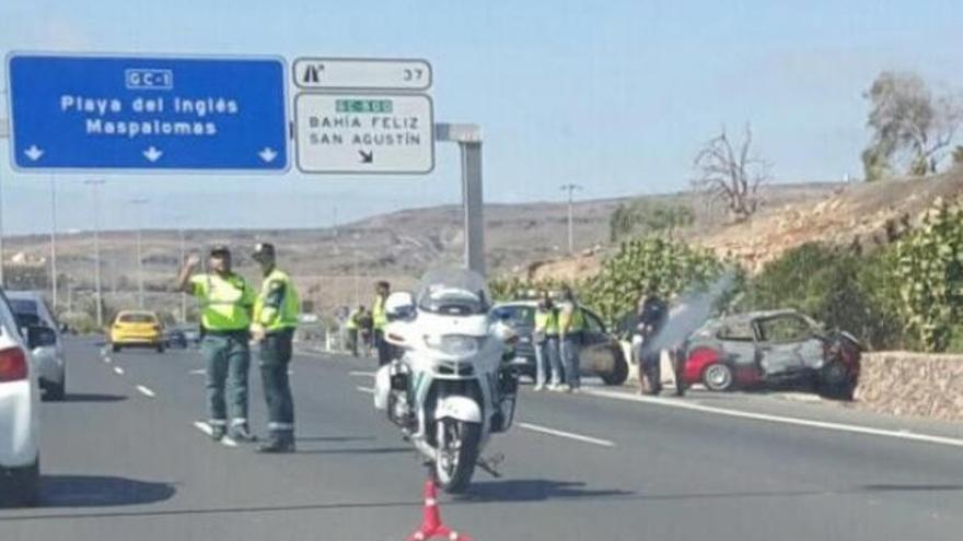 Un turismo gris podría estar implicado en el accidente del Sur