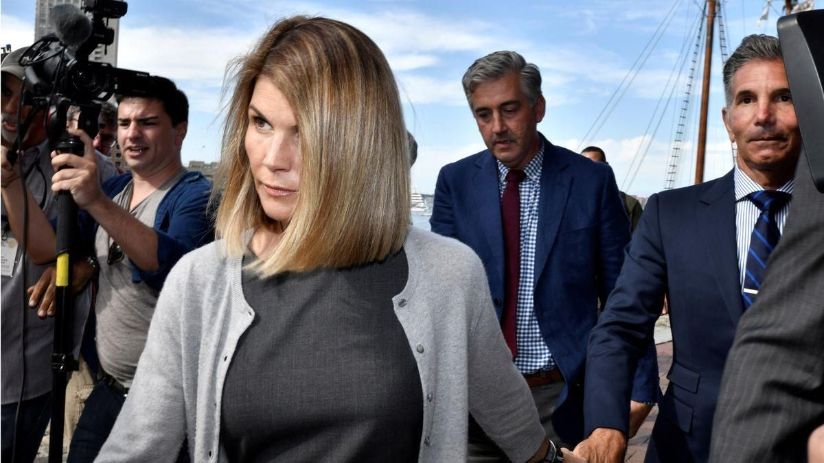 Lori Loughlin sale de la cárcel tras dos meses de condena por soborno