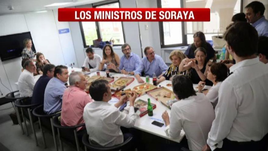 Casado y Santamaría exhiben sus apoyos un día antes del inicio del congreso del PP