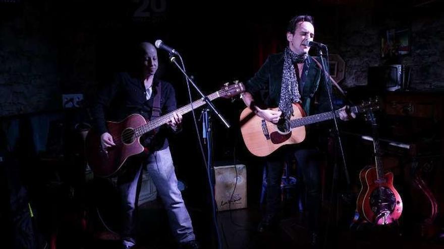 Veinte años de música con el promotor Enrique Patricio