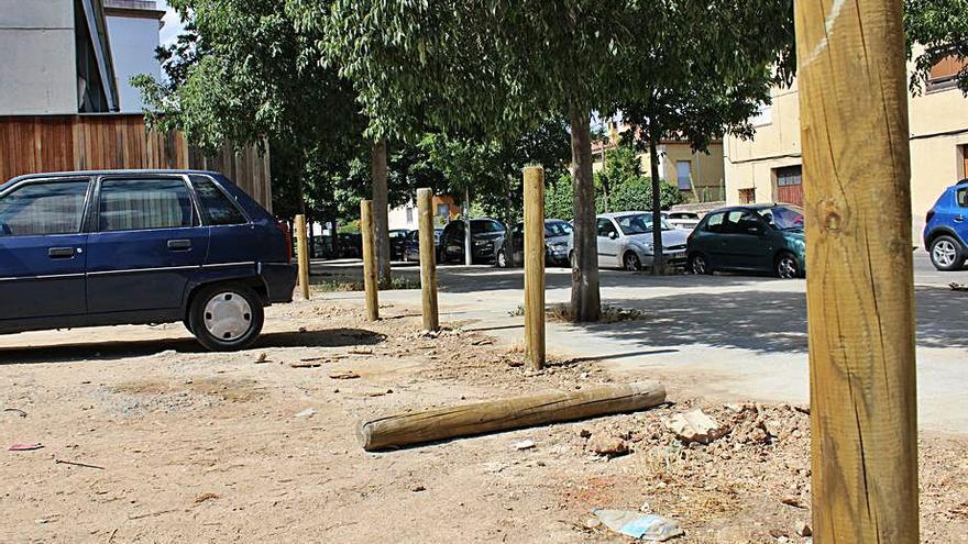 L'incivisme plana sobre l'aparcament del Poblenou de Figueres
