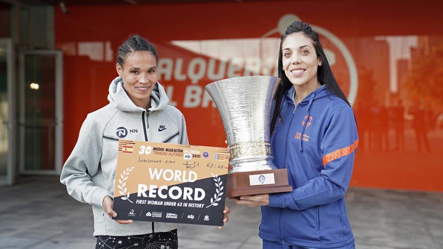 Cristina Ouviña y Letesenbet Gidey, reinas del deporte en Valencia