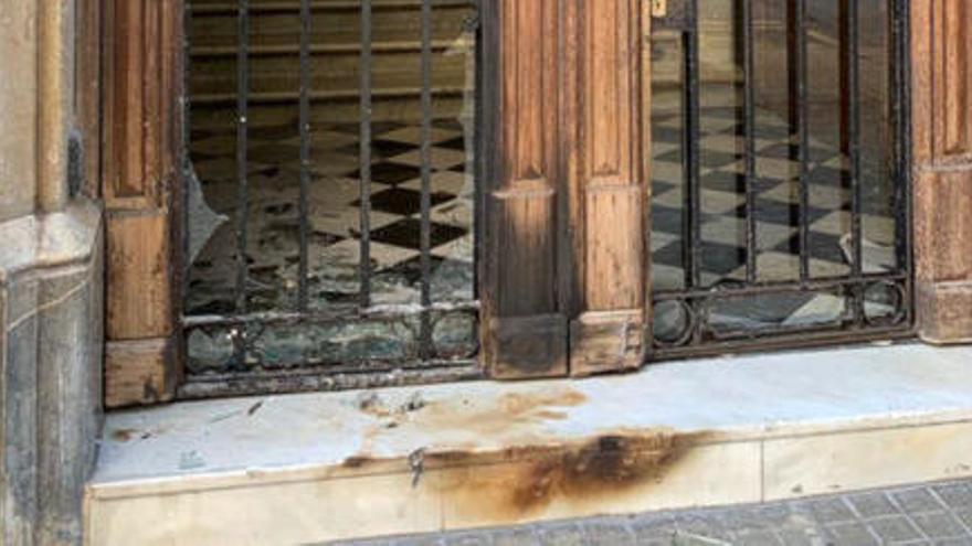 Òmnium Cultural denuncia un atac a la seva seu nacional a Barcelona
