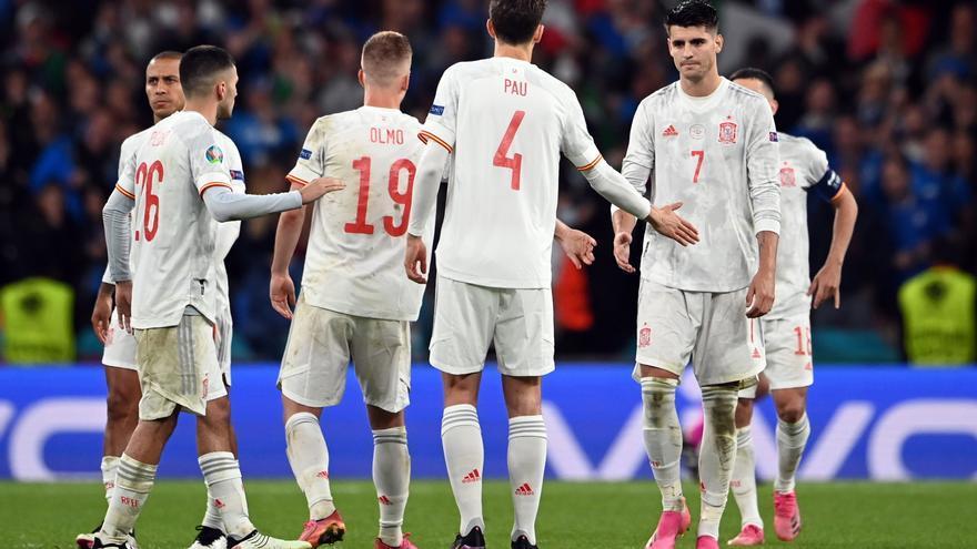 España cae con todos los honores