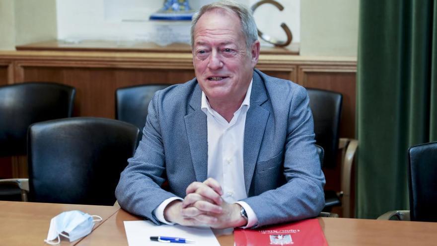Aurelio Martín comparecerá en el Pleno para responder a las críticas del Grupo
