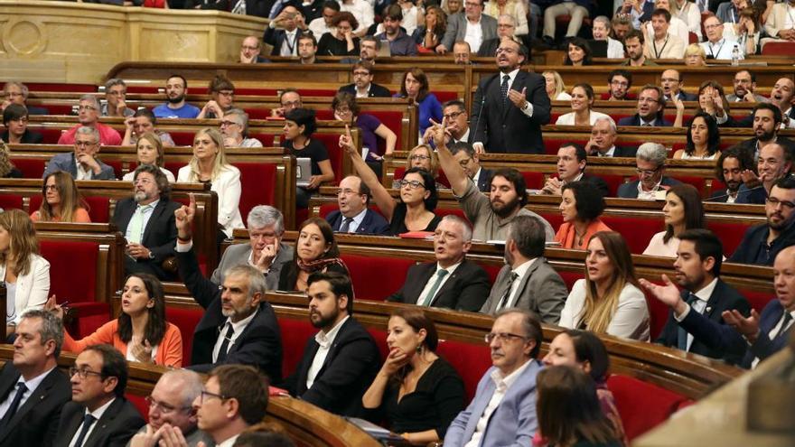 El Parlament debate esta tarde la posibilidad de ir a elecciones