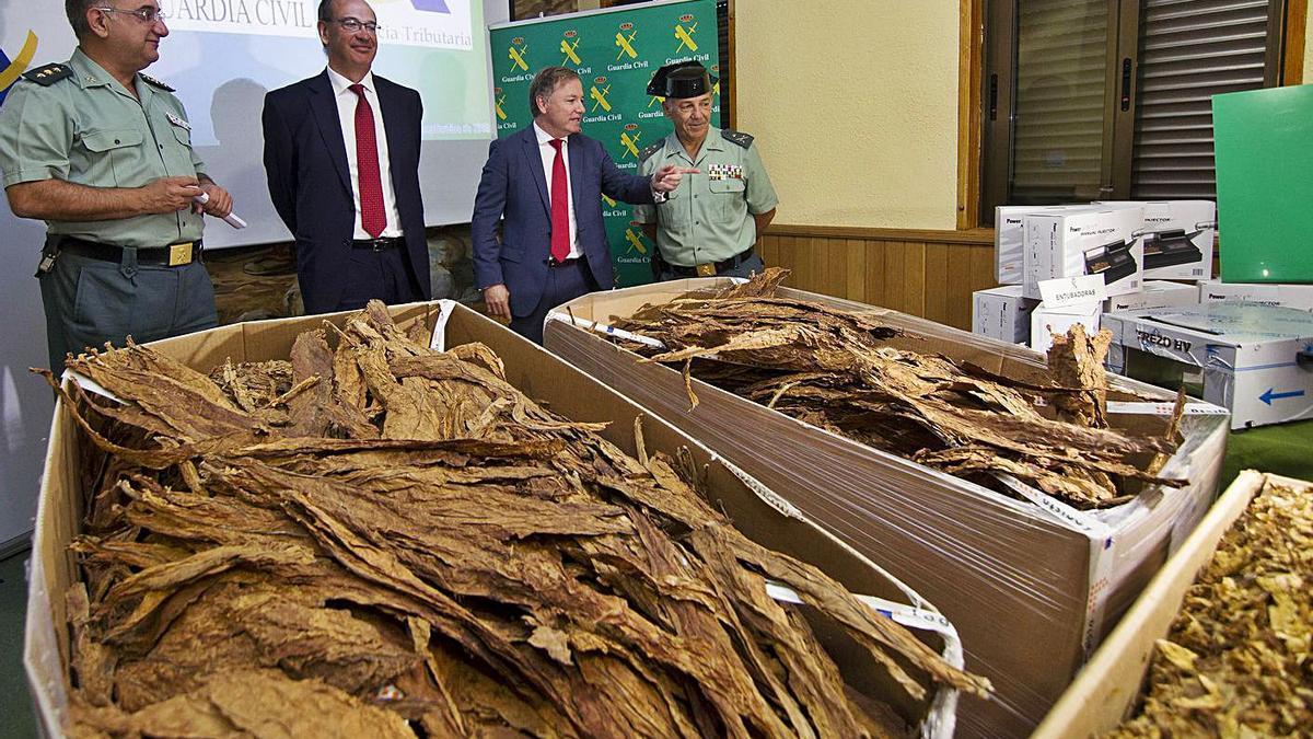 80 toneladas en Riba-roja y Bétera en dos factorías clandestinas en 2016 | GERMÁN CABALLERO