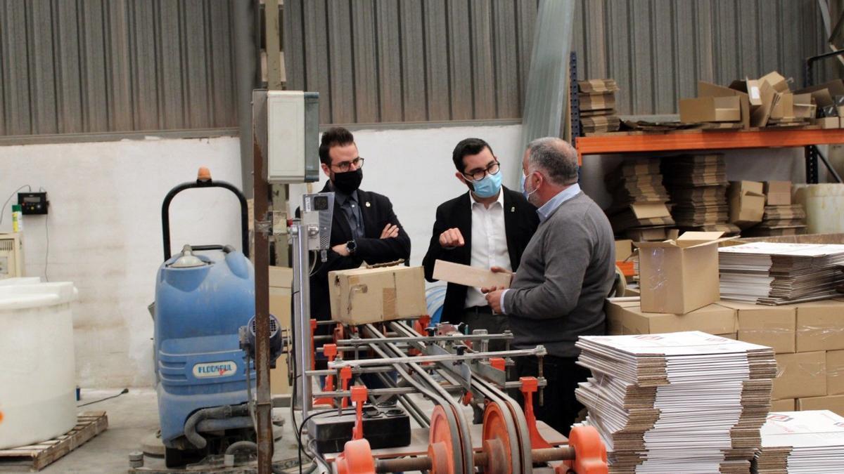 Falomir y Tena visitaron las instalaciones de la empresa local Santarela.